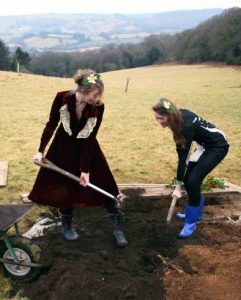 natural-burial-girls
